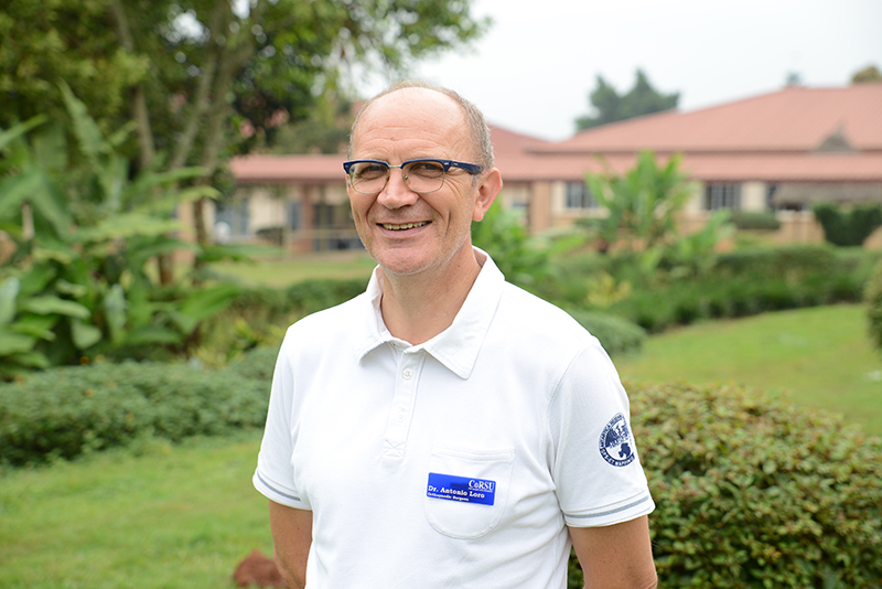 Dr Loro, cbm Co-worker and orthopaedic surgeon at CoRSU Hospital